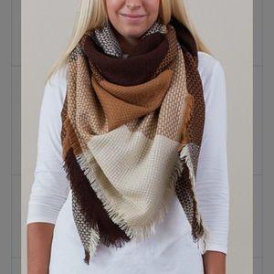 NWOT- Brown, tan, and cream block blanket scarf